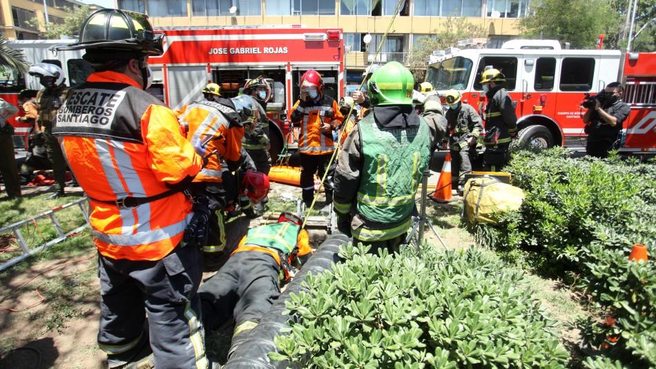 Murió el adulto mayor que cayó en un alcantarillado en la comuna de Santiago