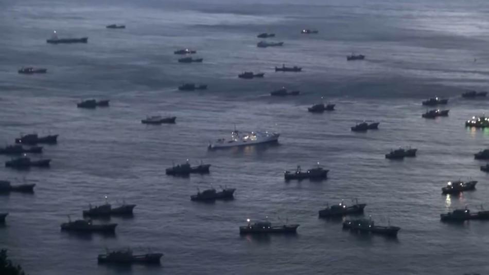 Armada vigila flota pesquera china que navega frente a las costas chilenas