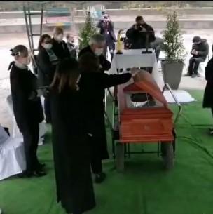 Condenan a hermana del Presidente Piñera por violar norma sanitaria en funeral de su tío