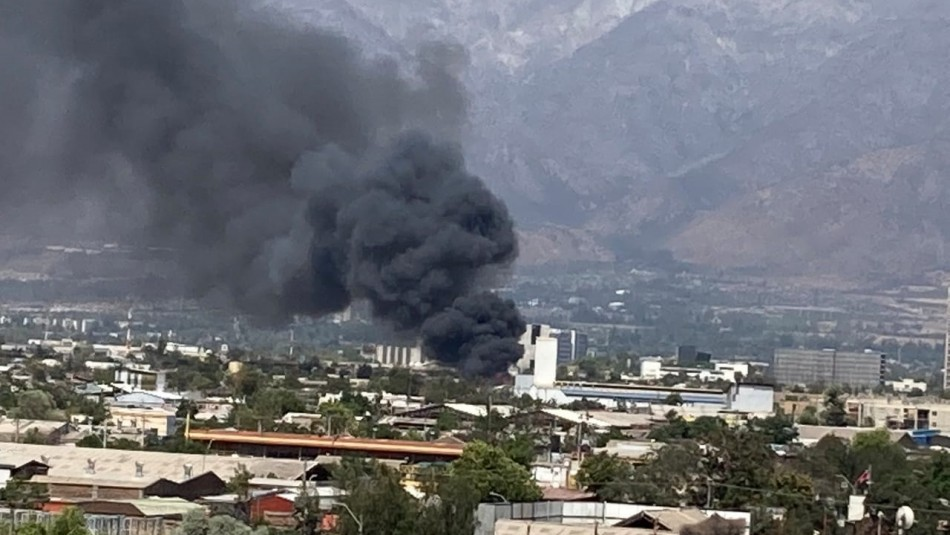 Al menos cuatro casas afectadas por incendio en la comuna de San Joaquín