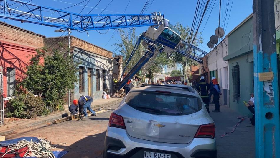 Grúa cae sobre casas en Independencia: Dos adultos y un menor lesionados