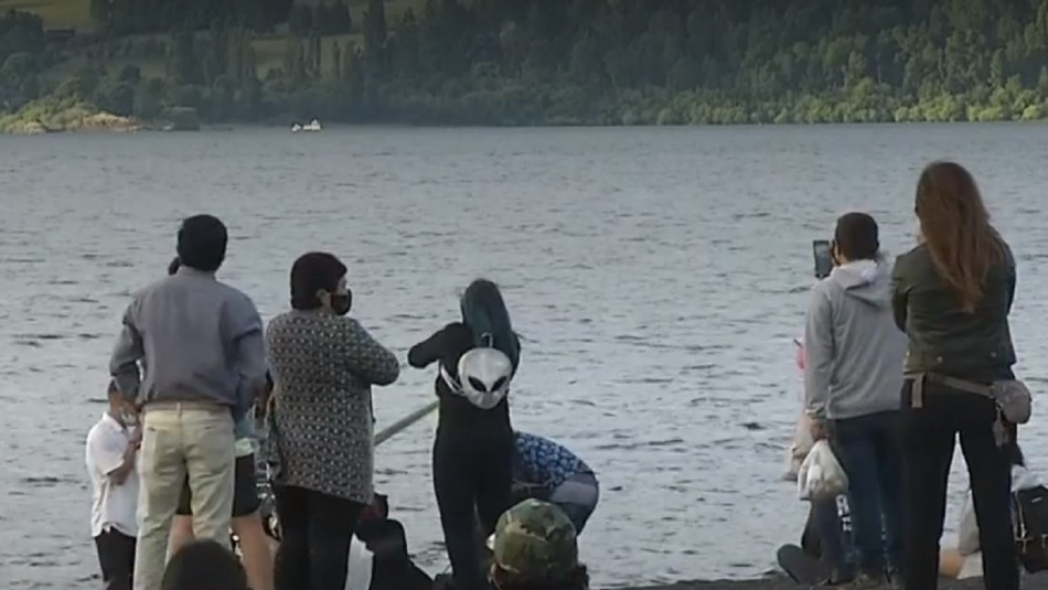 Turistas aguardan el Eclipse Solar en la Araucanía.