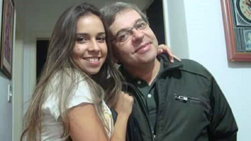 Padre quiere recuperar el teléfono de su hija fallecida y más 300 personas lo ayudan