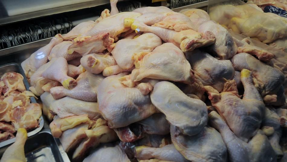 Colusión de los pollos: Sernac demanda a Cencosud por negativa a compensar clientes