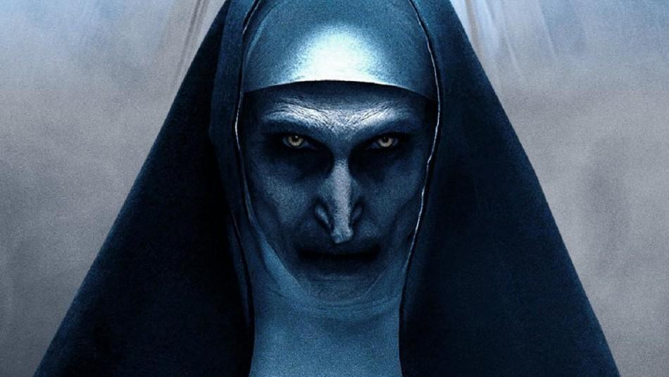 Escalofriante estatua que aterroriza en Rusia: Es idéntica a la monja de