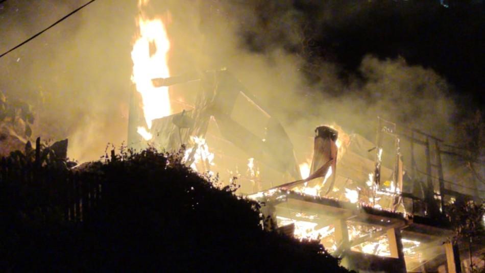 Confirman muerte de niña en medio de incendio en Valparaíso