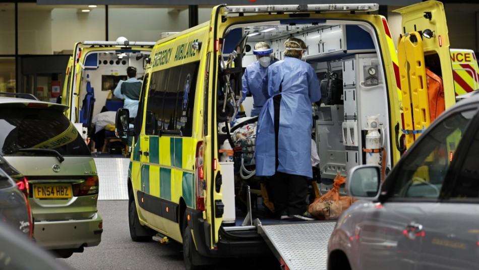 Récord de contagios en Reino Unido: Lugar donde surgió nueva cepa suma 53.135 casos en un día