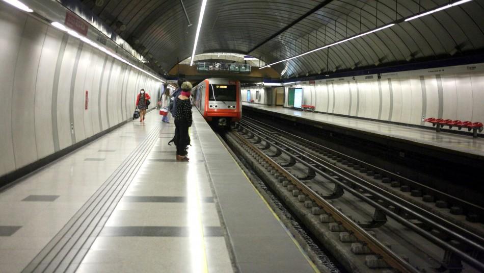 Metro de Santiago reportó falla técnica en Línea 3