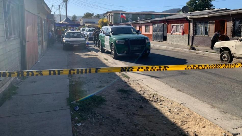 Pareja es encontrada muerta al interior de su casa en La Calera: Investigan femicidio