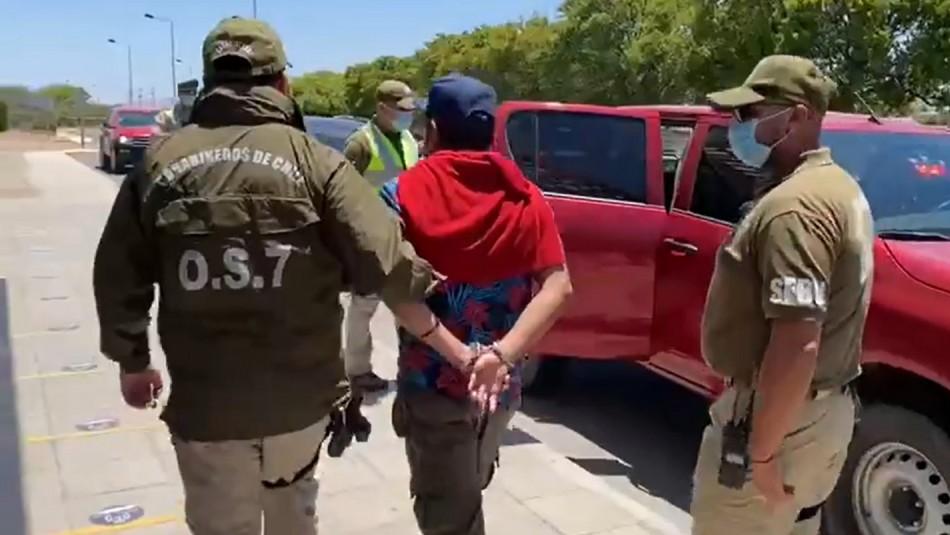Pasajero fue detenido tras bromear con supuesta presencia de bomba en avión