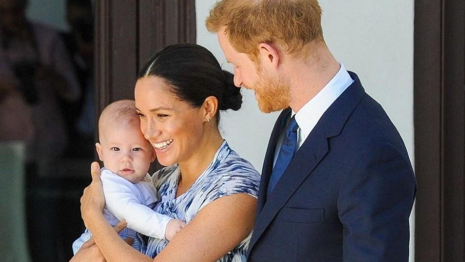 El hijo de Meghan Markle y Harry desea feliz año nuevo en transmisión en vivo: Así habla Archie