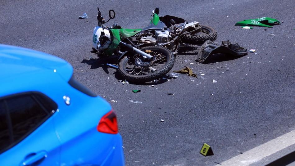 Dos carabineros heridos tras ser impactados por auto que huía en persecución