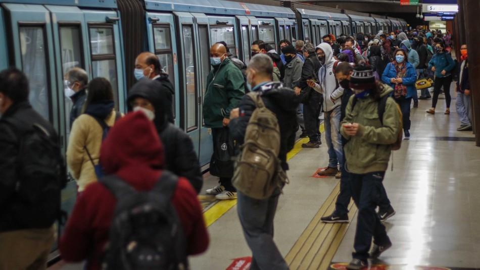 Reportan aglomeraciones en Línea 5 del Metro por retraso en frecuencia de trenes