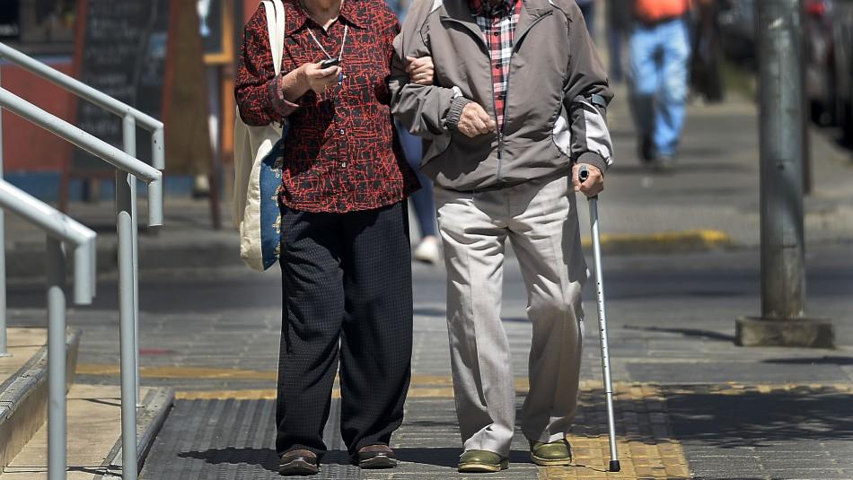 Principalmente mujeres: Casi 1.5 millones de personas recibirán reajuste de sus pensiones
