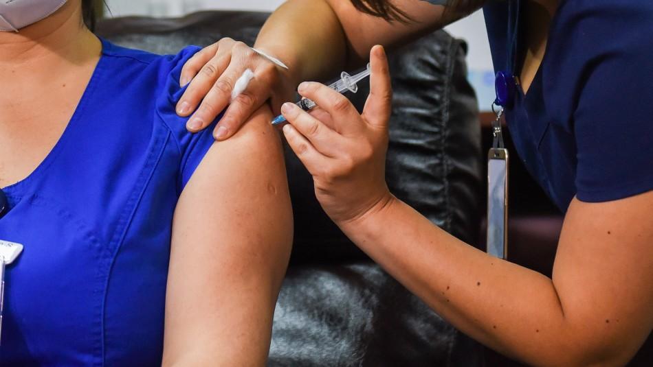 Seremi explica contagio de coronavirus de funcionaria del Hospital Las Higueras vacunada