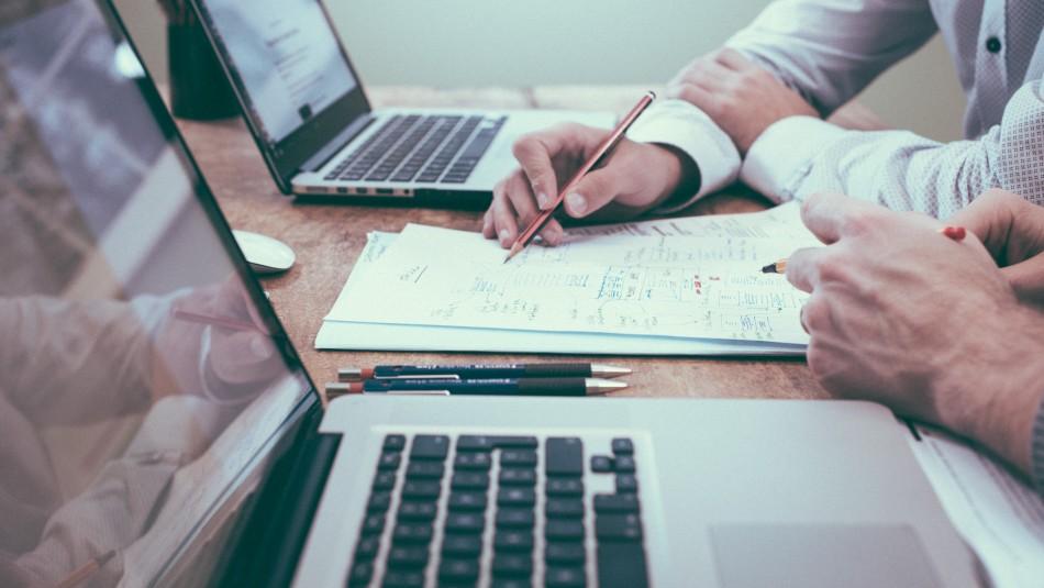 40% de las empresas evalúa aumentar sueldos en 2021: Revisa qué cargos se verán más beneficiados