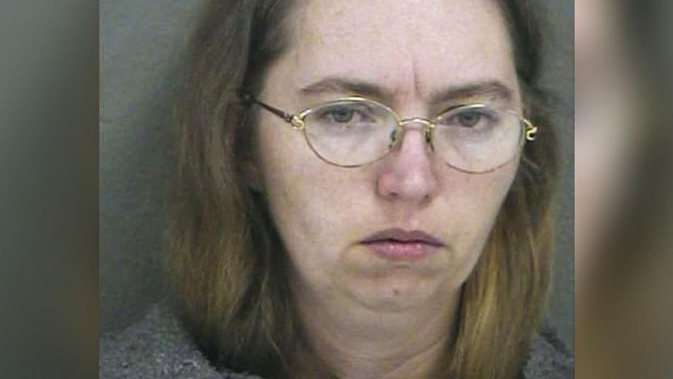 Suspenden ejecución de mujer condenada por matar a una embarazada para robarle su feto
