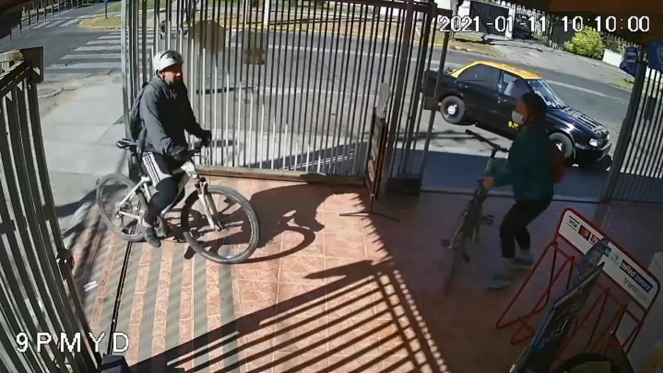 Detienen a hombre que atacó con un arma blanca a su expareja: Video registró la agresión