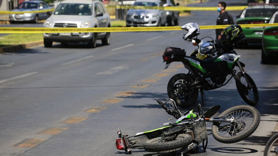Dos carabineros lesionados tras presunto baleo en Providencia