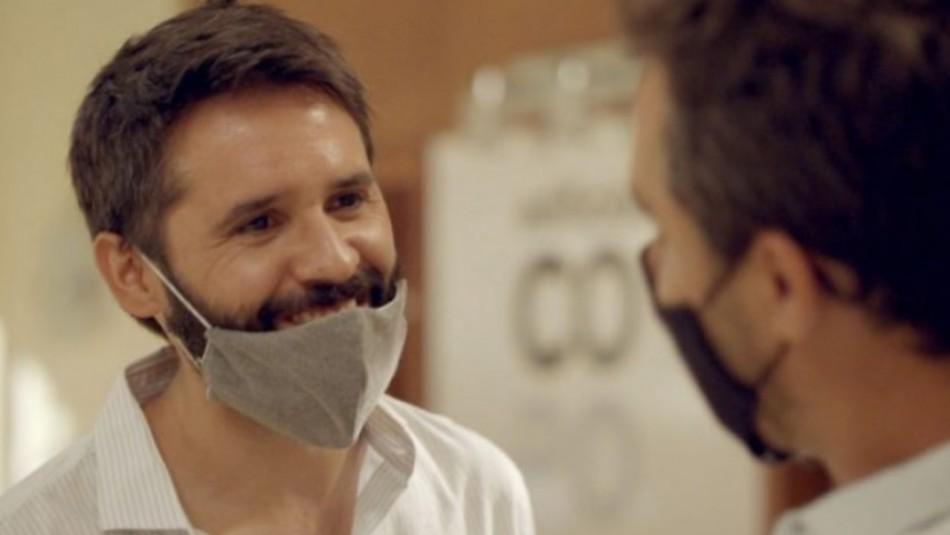 Mario Horton explica por qué su personaje utiliza mal la mascarilla en