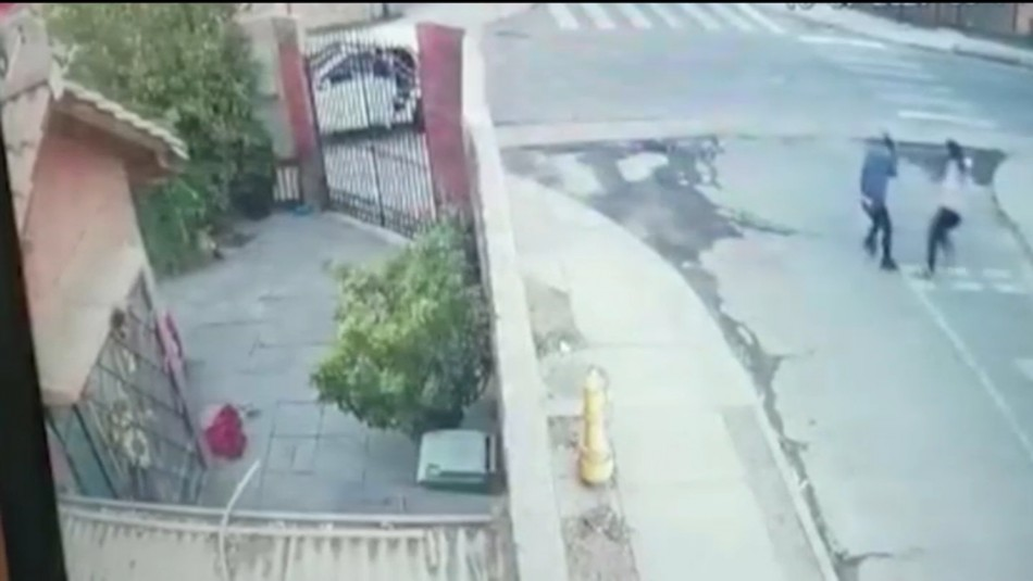 Video registra baleo de PDI recién egresada a asaltante en Renca