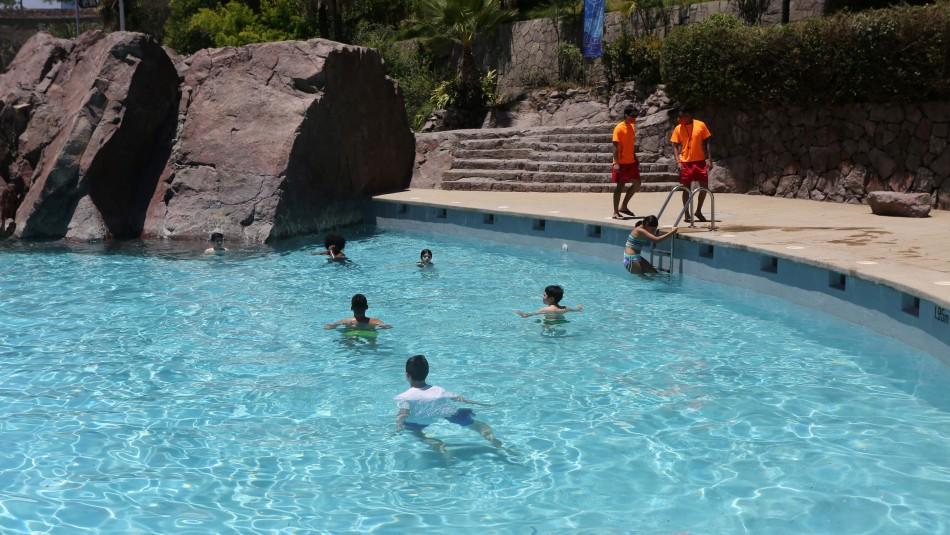 Uso de piscinas en pandemia: ¿Hay riesgo de contagio de coronavirus por el agua?