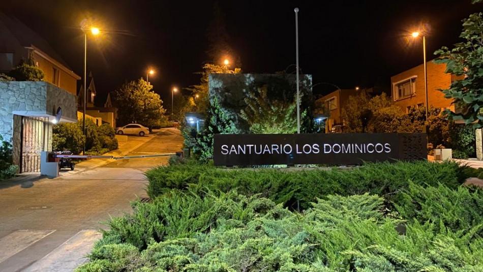 Tres detenidos por atacar a Carabineros en fiscalización de fiesta clandestina en Las Condes