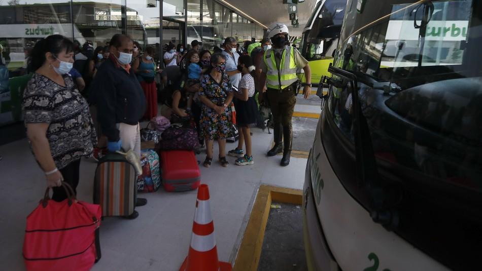 Exministro Erazo pide revisar el permiso de vacaciones y