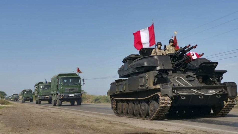 Perú moviliza unidades militares a frontera con Ecuador para bloquear ingreso de migrantes