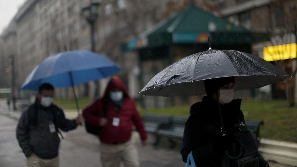 Se esperan intensas lluvias en Santiago y zona central-sur del país.
