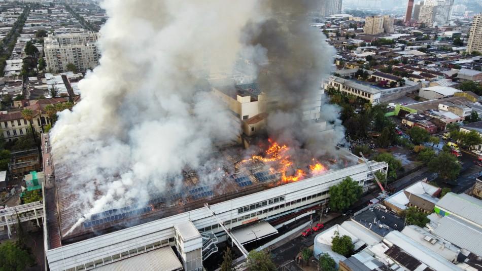 Incendio afecta a Hospital San Borja: Evacúan a funcionarios y pacientes