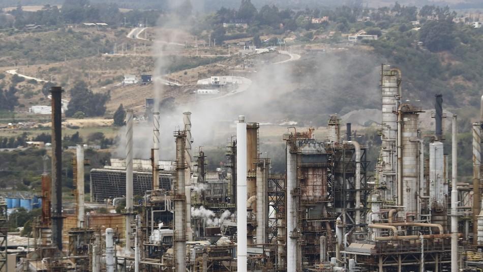 Reportan explosión en planta de ENAP en Concón:
