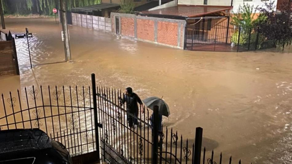 Inundaciones afectan a diversos sectores de Talca tras las intensas lluvias de la madrugada