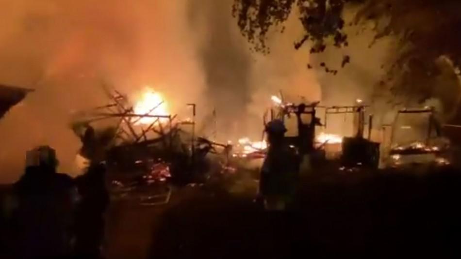 Cuatro inmuebles quemados tras presuntos ataques incendiarios en la provincia de Arauco