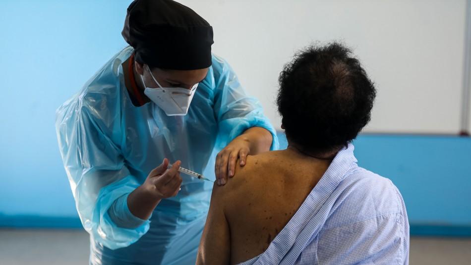 Casi 385 mil personas se han vacunado contra el coronavirus en el país