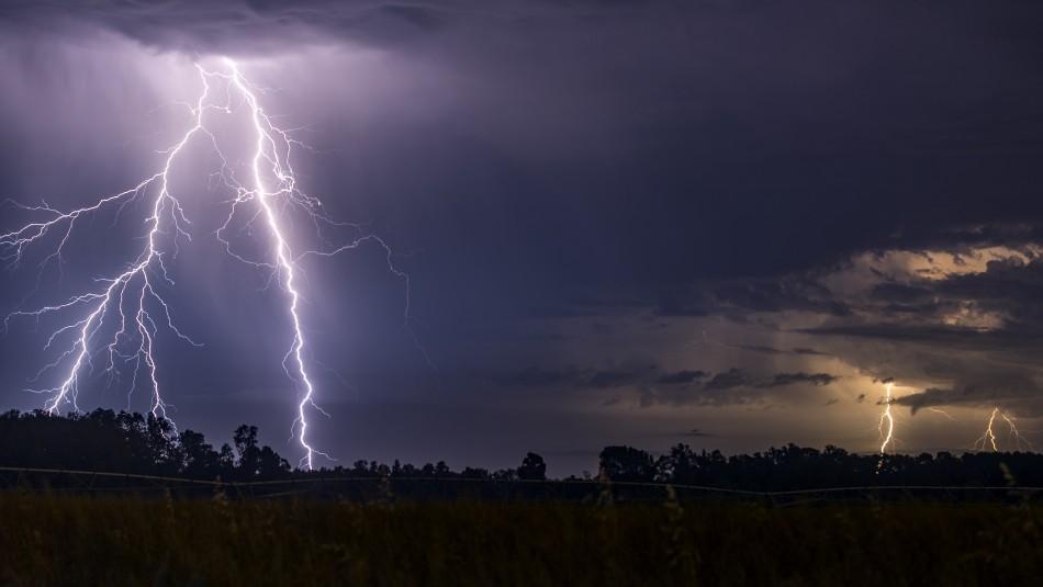 Alertan de probables tormentas eléctricas entre el Maule y La Araucanía