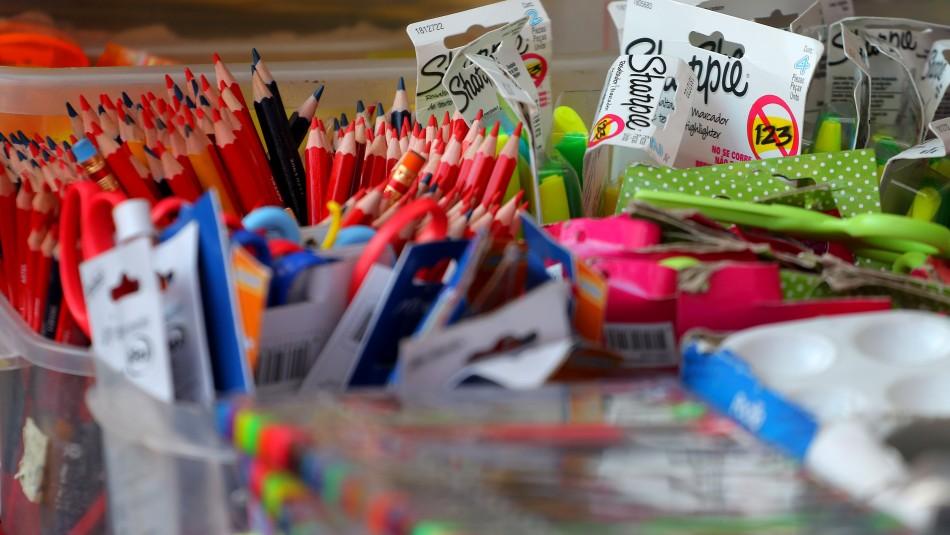 A menos de un mes para que comience marzo la venta de útiles escolares