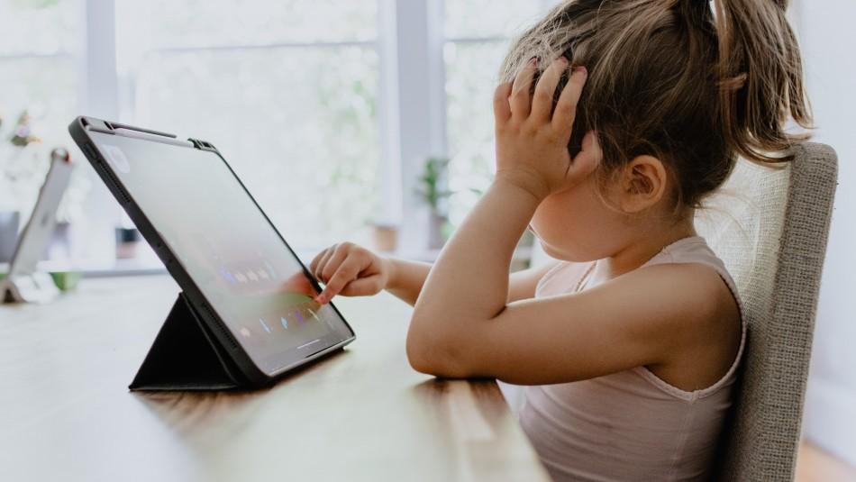 57% de los niños juegan en línea con desconocidos:
