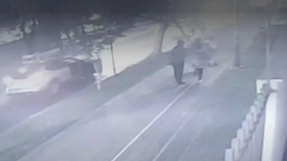 Mujeres son asaltadas con técnica del abordazo en Ñuñoa.
