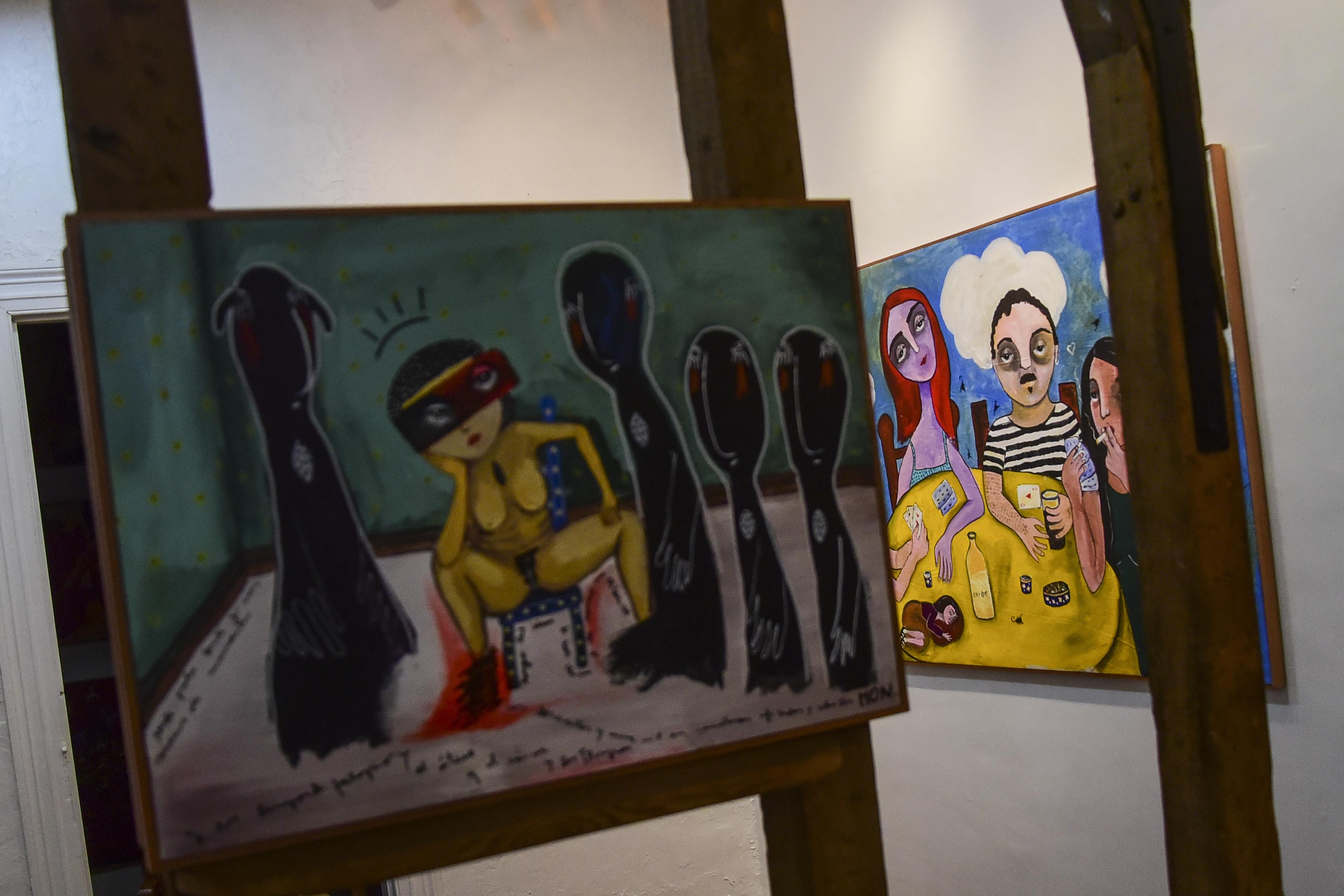 Obras de Mon Laferte en la galería