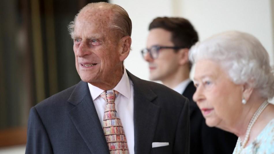 Esposo de la reina Isabel: Hospitalizan por