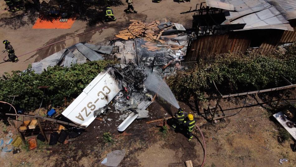 Avioneta cae sobre una casa y provoca incendio en Curacaví