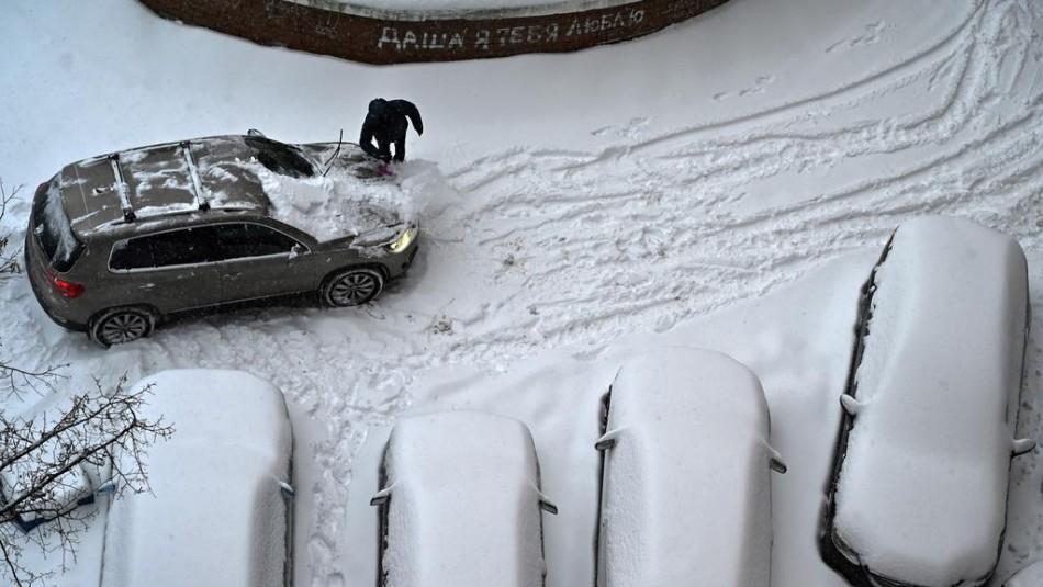 Dijo a la policía que había matado a su padrastro y solo quería que quitaran la nieve del camino