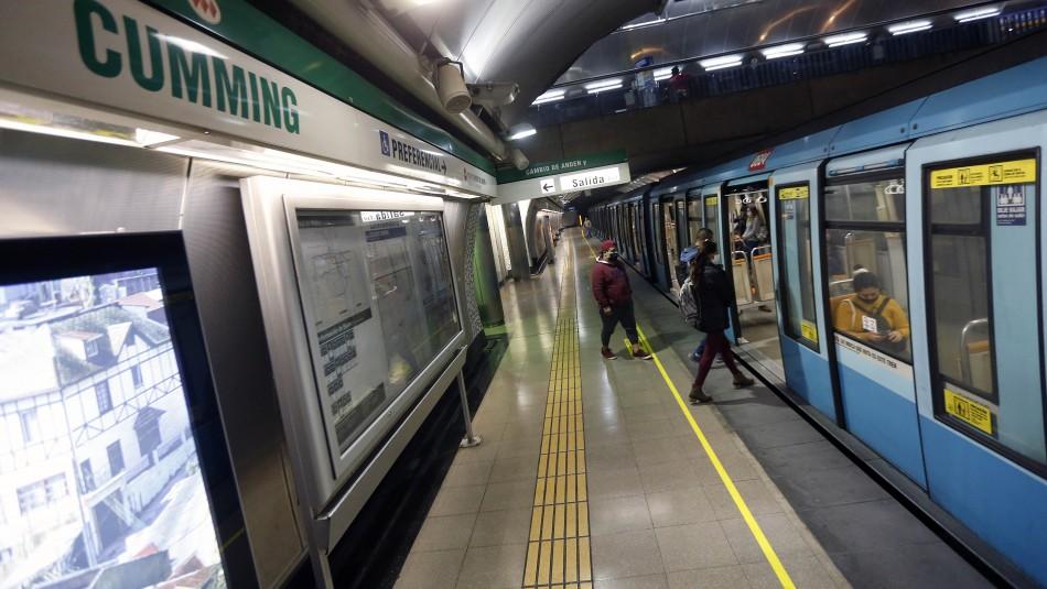 Metro de Santiago retrasa hora de cierre por modificación en toque de queda