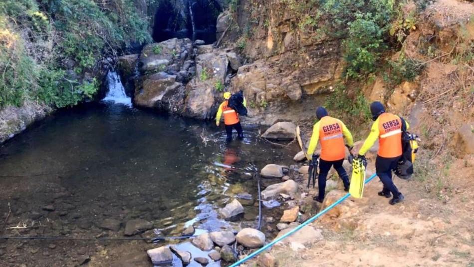 Caso Tomás Bravo: Grupo especializado se une a búsqueda del niño en pozones y cascada