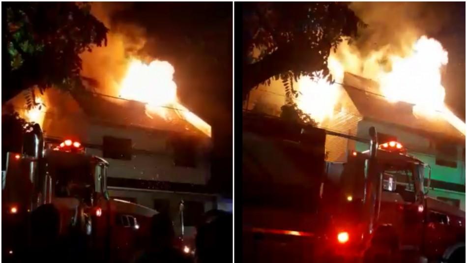 Violento incendio afecta a dos viviendas en San Miguel: Hay tres personas lesionadas