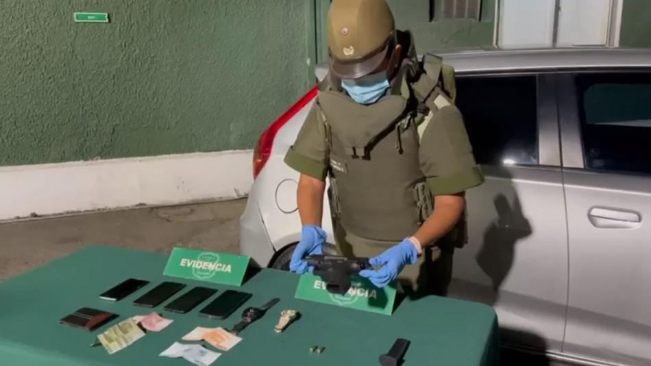 Detienen a dos sujetos por robo con intimidación y porte ilegal de armas