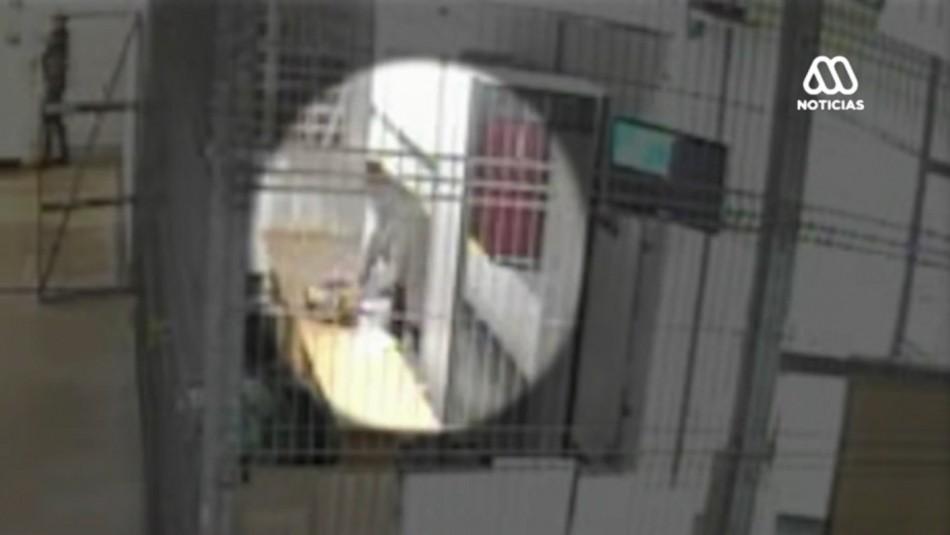 Video muestra momento exacto en que exfiscal intenta ingresar droga a cárcel de Alto Hospicio