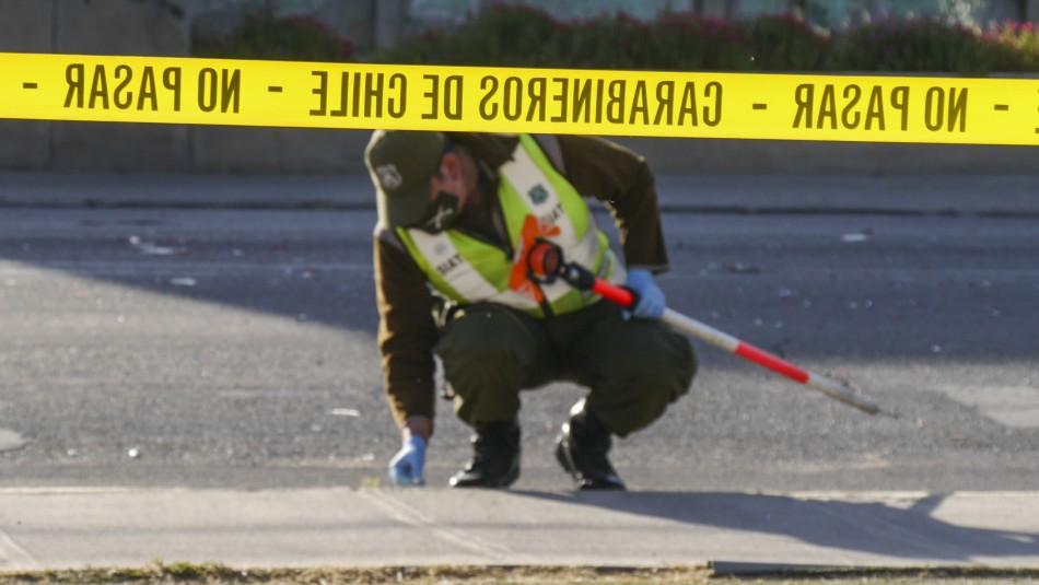 Conductor derriba semáforo y mata a niña de 7 años en grave accidente de tránsito en Renca