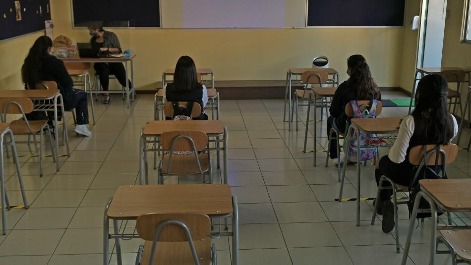 43 colegios han presentado casos de coronavirus: 18 son de la Región Metropolitana